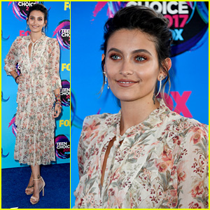 Paris Jackson Attends Her First Teen Choice Awards!