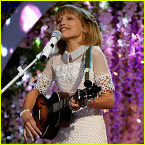 This is Grace VanderWaal's Biggest Advice For the 'America's Got Talent' Finalists