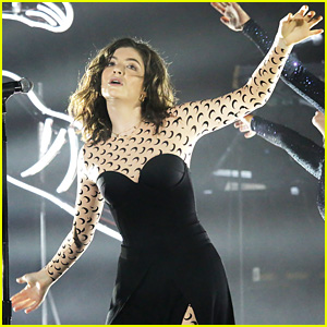 Lorde 'Channels the Spirits' on Night One of 'Melodrama' World Tour