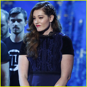 Mandy Harvey Sings Song About Moving On During America's Got Talent Finals - Watch Now!