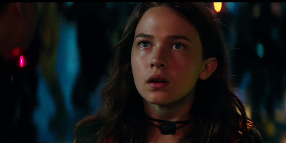 Newcomer Cailee Spaeny Leads The Fight In Pacific Rim Uprising Trailer Watch Cailee