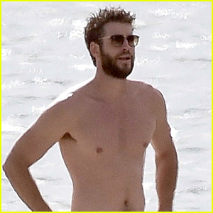 Liam Hemsworth Visits the Beach Where He First Met Miley Cyrus!