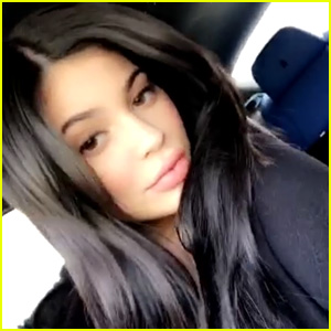 Kylie Jenner Snaps New Selfies in Her Car
