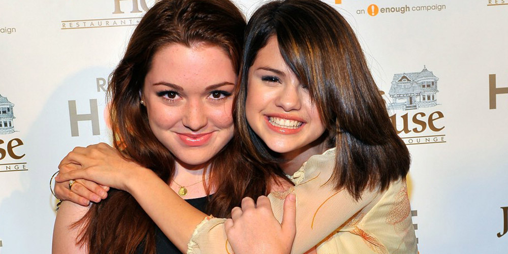Jennifer stone and selena gomez now is dating