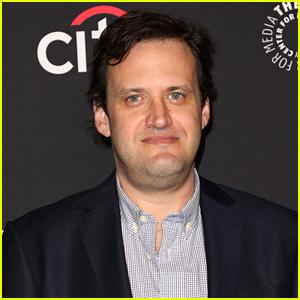 'Flash' & 'Arrow' Showrunner Andrew Kreisberg Has Been Fired Following Sexual Harassment Allegations