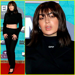 Charli XCX Bares Her Midriff on MTV EMAs 2017 Red Carpet