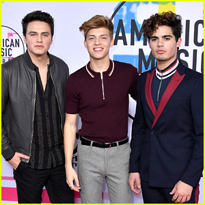 Asher Angel Joins Forever In Your Mind at AMAs 2017