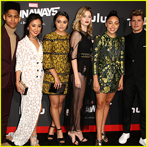 Gregg Sulkin Joins 'Runaways' Co-Stars at L.A. Premiere!
