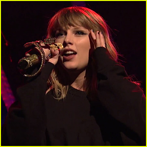 Taylor Swift Slays First Performance of '...Ready for It?' on 'SNL' (Video)