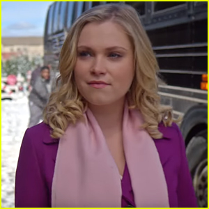 Christmas Inheritance.The 100 S Eliza Taylor Stars In Netflix S New Christmas