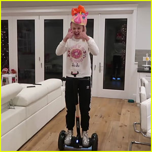 JoJo Siwa Got The Number One Thing She Asked For For Christmas!