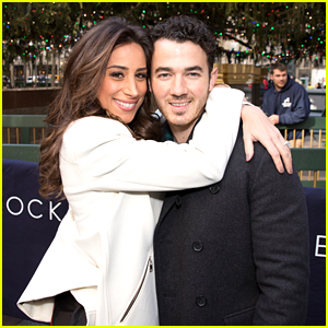 Kevin & Danielle Jonas Are Happy Sophie Turner is Joining The Jonas Family