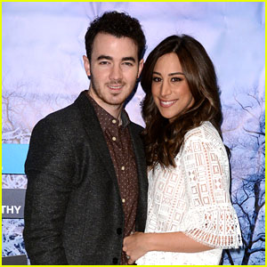 Kevin Jonas Pens Sweet Note For 8 Year Anniversary With Wife Danielle