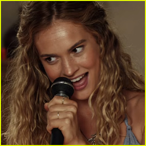 Lily James Shows Off Musical Talent in 'Mamma Mia: Here We Go Again' Trailer - Watch Now!