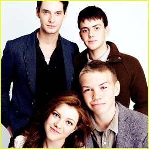 'Chronicles of Narnia' Cast Trades Embarrassing Pics of Each Other & They Still Want A Reunion