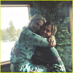 Cute Couple Rydel Lynch & Ellington Ratliff Cozy Up For Christmas Photo