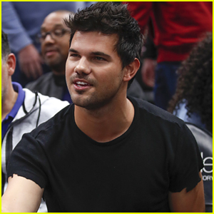 Taylor Lautner Does Backflip at Willis Tower's Clear Sky Box - Watch!