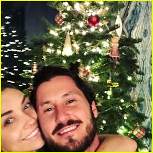 Jenna Johnson & Val Chmerkovskiy Get First Christmas Tree Together
