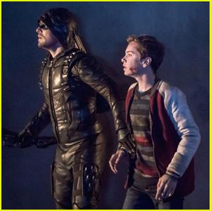 Oliver Queen Needs Help From Team Arrow Members Who Left on 'Arrow' Tonight