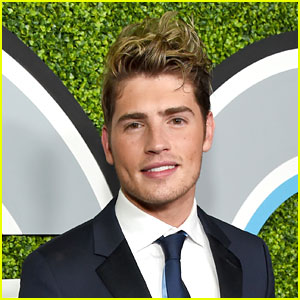 Gregg Sulkin Reveals What Convinced Him to Sign On For 'Marvel's Runaways'