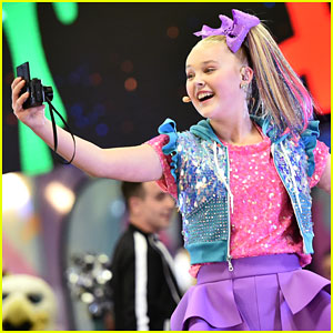 7c9957060 JoJo Siwa Takes The Stage at NFL Play 60 Kids Day During Super Bowl Week