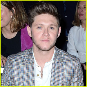 Niall Horan Dances It Out At Paul Smith Fashion Show