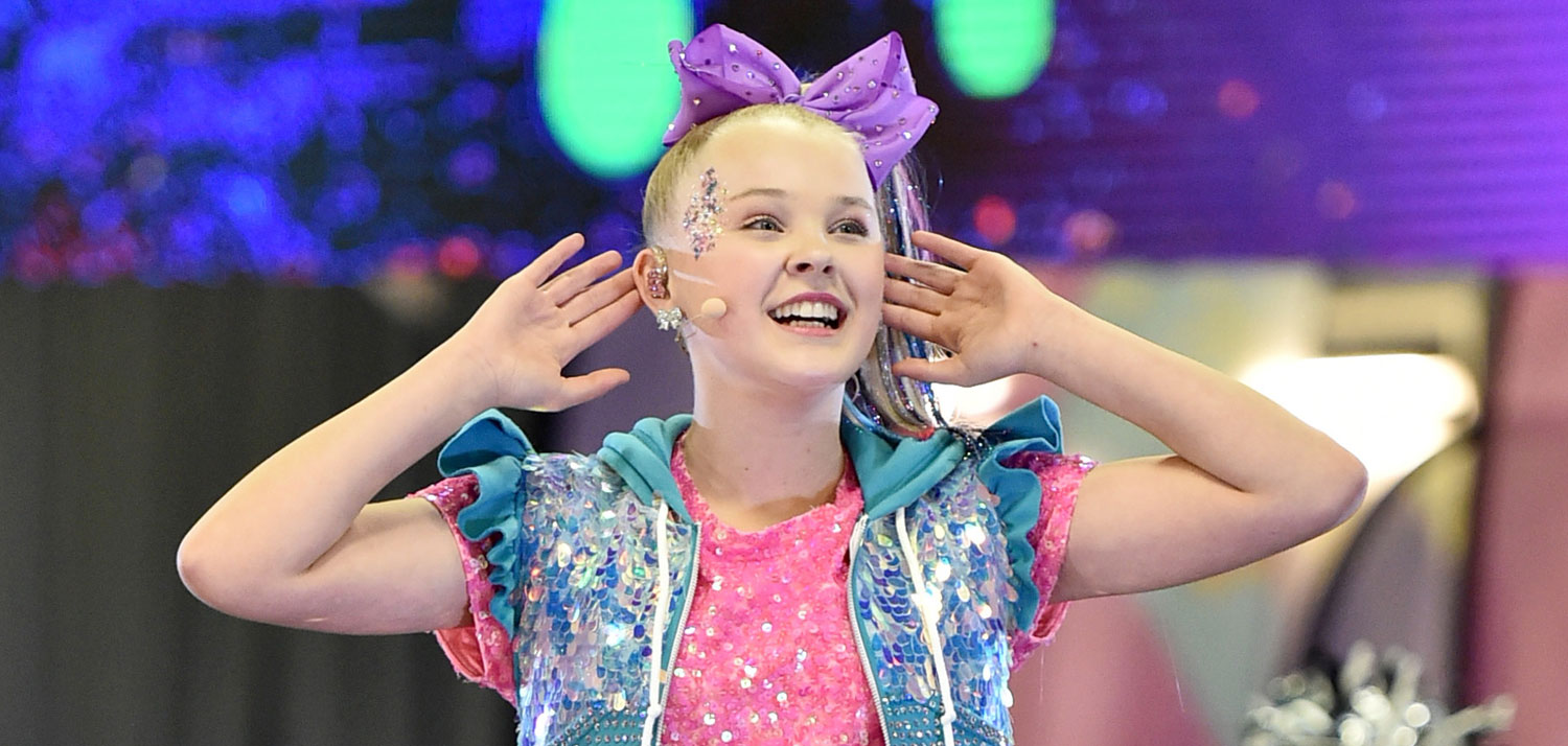 3dc0decb2 JoJo Siwa Takes The Stage at NFL Play 60 Kids Day During Super Bowl Week