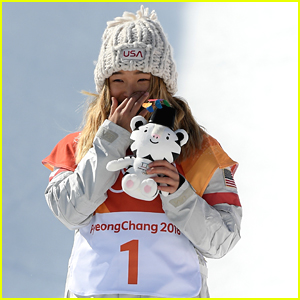 Snowboarder Chloe Kim Totally Cried After Winning the Halfpipe Gold Medal at Olympics 2018