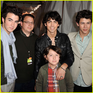 Jonas Brothers' Dad Kevin Sr. Is In Remission Following Cancer Battle