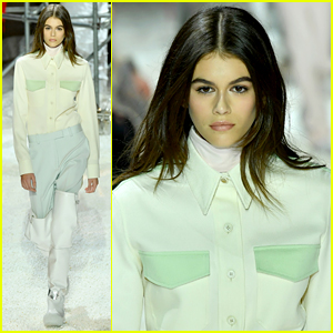 Kaia Gerber Treks Through Popcorn-Filled Runway for NYFW!