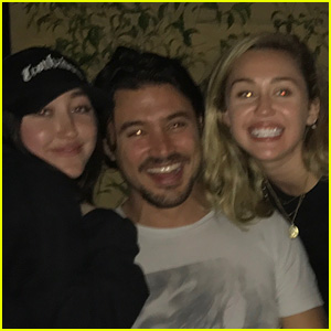 Miley & Noah Cyrus Bring on the Disney Nostalgia in a Selfie With Paolo From 'The Lizzie McGuire Movie'!