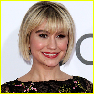 Chelsea Kane Remembers Going Way Beyond 'The Dark Side' For Her DWTS Spray Tan Days in Throwback Pic