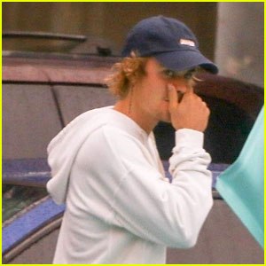 Justin Bieber Steps Out for Lunch After Claiming 'Pimples Are In'