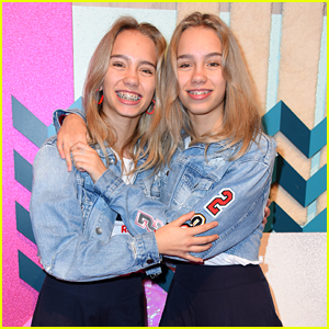 Lisa & Lena Film Two Musical.ly's With Fans at Glow Convention