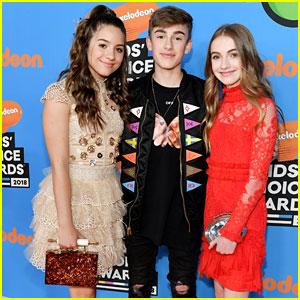 Mackenzie Ziegler Joins Johnny & Lauren Orlando at Kids' Choice Awards 2018!