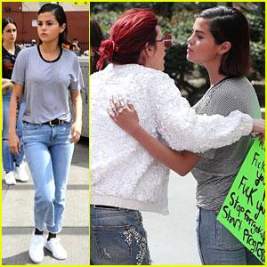 Selena Gomez & Bella Thorne Share a Hug at March for Our Lives