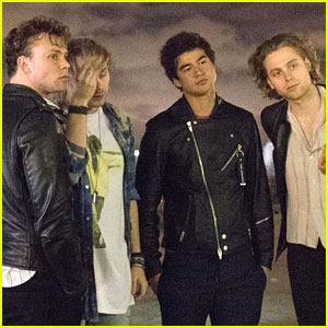 5 Seconds of Summer Visit Eiffel Tower, Release 'Want You Back' Acoustic Video