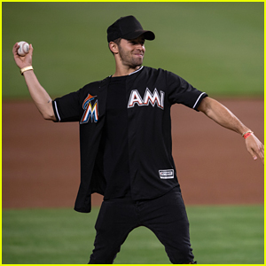 Jake Miller Throws Out First Pitch at Miami Marlins Baseball Game - Pics!