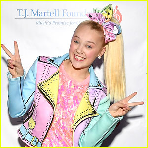 JoJo Siwa Asks For Prayers For Mentor Abby Lee Miller