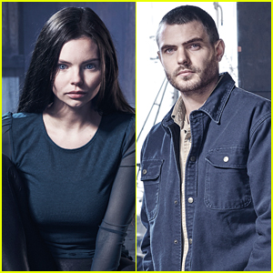'Siren' Stars Eline Powell & Alex Roe Reveal If They Actually Believe in Mermaids