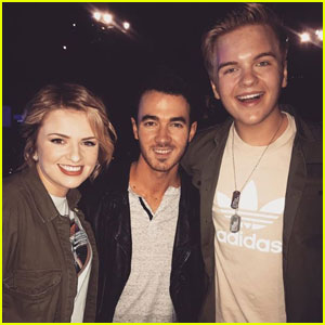 Maddie Poppe & Caleb Lee Hutchinson Had the Best Reaction to Meeting Kevin Jonas!