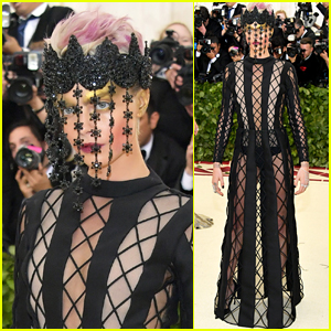 Cara Delevingne Goes Edgy for Met Gala 2018!