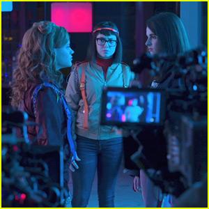 Sarah Jeffery, Sarah Gilman & Vanessa Marano Talk About Breaking Gender Stereotypes with 'Daphne & Velma'