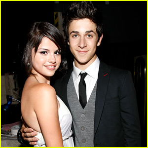 Selena Gomez 'Crashes' David Henrie's Dinner Date In With Wife Maria