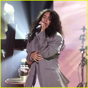 Alessia Cara Performs 'Growing Pains' on 'Fallon' - Watch Now!