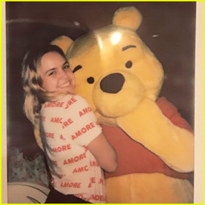 Bailee Madison Met The Love Of Her Life at Disney World - Winnie The Pooh!