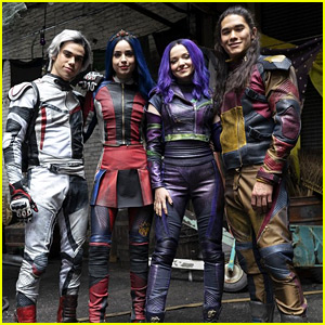 Dove Cameron, Sofia Carson, Cameron Boyce & Booboo Stewart Sport New Looks For 'Descendants 3'