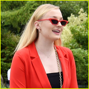 Sophie Turner Chops Off Her Hair - See the New Look!