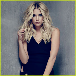 Ashley Benson Didn't Love Hanna's Hairstyle In This Season of 'Pretty Little Liars'