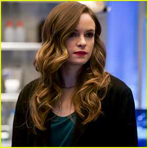 Danielle Panabaker To Direct Upcoming 'Flash' Episode in Season 5!